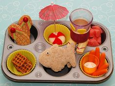 How cute!  It would be fun to do these for a little kids lunch/playdate/party.