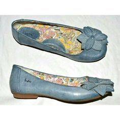 "♡78%off Born Concept Blue Flower Ballet Flats These adorable and comfortable Born flats are an essential for every spring & summer wardrobe! Textured light faded blue flats with a 1/2"" heel. Lightweight & flexible rubber sole. The softest padded lining is great for all day wear. Cute flower gives femme touch- pair these with jeans, shorts or summer dress...on as date, to work, a stroll! In excellent, like NEW, there are no damages. BORN logo on side of each shoe. Look cute and feel great in…"
