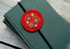 Love this felted bookmark that @Bev {Flamingo Toes} made for the Pinterest Challenge