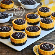 A good option for those who like to taste different flavors. A good option for those who like to taste different flavors. Turtle Cheesecake Recipes, Cheesecake Cupcakes, Mini Tart, Candy Cakes, Homemade Tacos, Pudding Cake, Small Cake, Yummy Cakes, Food And Drink