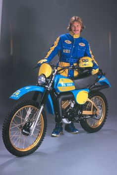 1977- Yamaha IT175 DG Package Racer. If I get this bike I'm getting the look too