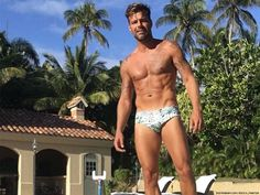 Ricky Martin 'Open' to Sex With Women, But Doesn't Call Himself Bi