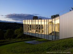 House at Tanglewood, Massachusetts by Schwartz/Silver Architects