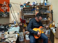 Exhibitor at the Holy Grail Guitar Show 2015: Phil Sylvester, Pheo Guitars, USA. http://www.philandjoanworld.com/index.php/pheo_guitars/, http://holygrailguitarshow.com/exhibitors/pheo-guitars/