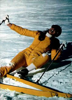 L'Officiel Magazine 1968. 60s ski fashion.