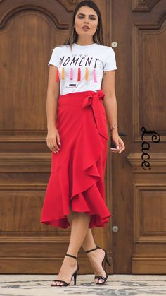 Source by NevaKT casuales juvenil fiesta Modern Outfits, Casual Outfits, Fashion Outfits, Look Fashion, Cute Fall Outfits, Spring Outfits, Casual Street Style, Casual Chic, Look Star
