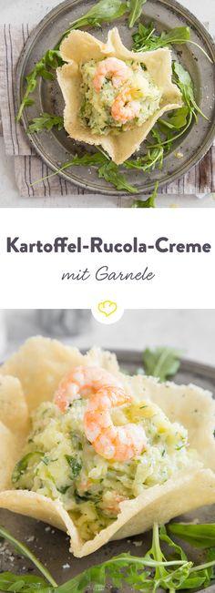 Husch, husch, ab ins (Parmesan-)Körbchen… denn da finden Kartoffeln, Rucola und Garnelen ihren Platz und bilden ein Antipasto, das mit jedem Bissen ein kleines bisschen mehr nach Meer schmeckt. Einfach köstlich!