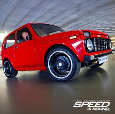 Lada Niva, From Russia with Love                                                                                                                                                                                 Mais