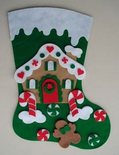 Felt Christmas Stockings, Christmas Stocking Pattern, Diy Christmas Ornaments, Christmas Wreaths, Christmas Decorations, Felt Crafts, Diy And Crafts, Plastic Canvas Christmas, Winter