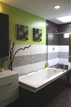 Green and White Modern Small Bathroom Design  #lovely #cute #bathroom #design // #interiordesign