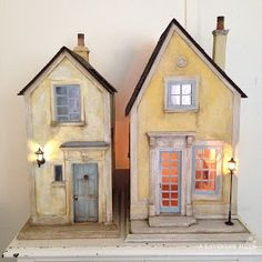 miniature dolls Good day everyone! Having survived the Furnace of Hell that was our summer I have another house finished! Saltbox Houses, Putz Houses, Fairy Houses, House Ornaments, Glitter Houses, Miniature Houses, Miniature Dolls, Driftwood Art, Paper Houses