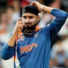 Do u support bajji returns India test team for Banglad tour