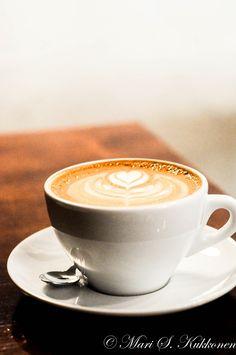 https://flic.kr/p/xE8hh4 | Latte. | Cafe Andante, Punavuori, Helsinki, Finland.