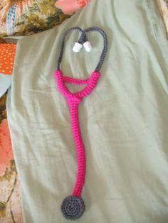 2000 Free Amigurumi Patterns: Free stethoscope toy crochet pattern