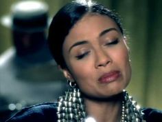 Amel Larrieux - Sweet Misery-Love this song. She is amazing.