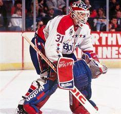 Hockey Goalie, Hockey Teams, Ice Hockey, Goalie Mask, Hockey Stuff, Masked Man, Washington Capitals, Nfl Fans, Nhl