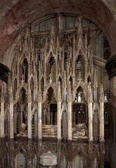 Gothic interior structure