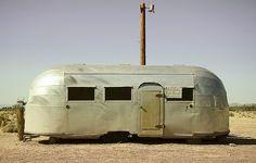 Abandoned caravan in Route 66