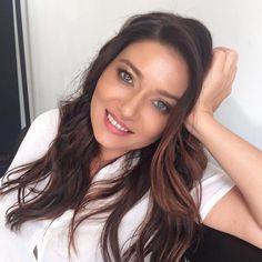 Nurgul Yesilcay born march 1976 in afyonkarahisar, turkey Paul Wesley Vampire Diaries, Luxury Lifestyle Fashion, Turkish Beauty, Turkish Actors, Beautiful Actresses, Diy Fashion, Long Hair Styles, Mom, Celebrities