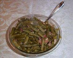 This cracker barrel copycat old country store country green beans is a mouthful to say as well as to eat! Our cracker barrel restaurant recipes taste so close to the real thing that you'll swear you're eating them at the actual restaurant! Side Recipes, Veggie Recipes, Great Recipes, Cooking Recipes, Favorite Recipes, Healthy Recipes, Cooking Ideas, Healthy Eats, Crockpot Recipes