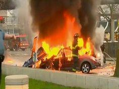 Helicóptero de TV cai, atinge carros e mata 2 em Seattle nos EUA