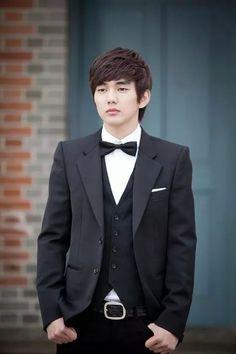Yoo Seung Ho, as Kang Baek Ho in Operation Proposal....Mr. Sqishy Patoot!