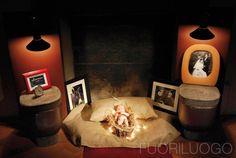 """""""Bed Side #Toilette"""" Opera di Luigi Fragola - ALL RIGHTS RESERVED.  [Fuoriluogo edizione 2008: Zero Edition]  #Presepe incorniciato da #wc e #bidet"""