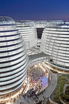 Galaxy SOHO Complex in Beijing by architect, Zaha Hadid Villa Architecture, Futuristic Architecture, Beautiful Architecture, Contemporary Architecture, Business Architecture, Unusual Buildings, Interesting Buildings, Amazing Buildings, Modern Buildings