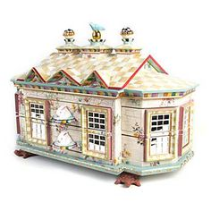 Chicken Palace Jewelry Box Is this not the most beautiful jewelry box you have ever seen?