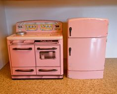 vintage toy Wolverine refrigerator & Marx stove