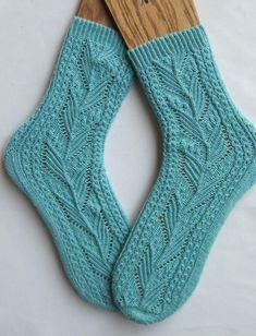 Lace Socks, Crochet Socks, Crochet Yarn, Knit Socks, Lace Knitting, Knitting Socks, Knitting Patterns, Unique Socks, Cool Socks