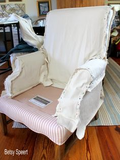 Betsy Speert's Blog: How To Sew a Chair Slipcover...sort of.... Furniture Slipcovers, Furniture Covers, Upholstered Furniture, Chair Covers, Furniture Design, Reupholster Furniture, Furniture Makeover, Modern Furniture, High Back Dining Chairs