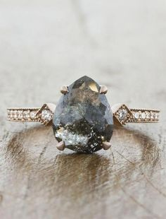 vintage engagement rings which look stunning. vintage engagement rings which look stunning. Wedding Rings Simple, Wedding Rings Solitaire, Wedding Rings Vintage, Halo Engagement Rings, Bridal Rings, Vintage Engagement Rings, Unique Rings, Vintage Rings, Wedding Jewelry
