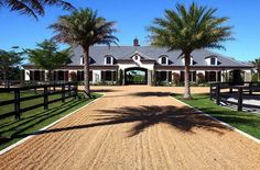 Stable Style: Dream Stable in Florida - Horse Gloss