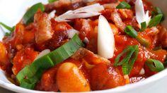 rychle pikantni fazole s klobasou a sekanymi rajcaty