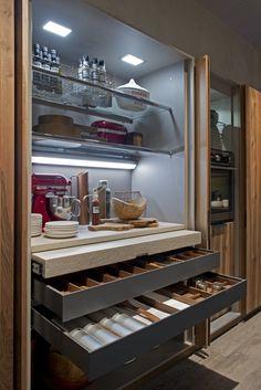 40 Minimalist Fitted Kitchen with Island Diy Kitchen Island, Diy Kitchen Storage, Kitchen Pantry, New Kitchen, Kitchen Furniture, Kitchen Interior, Kitchen Decor, Hidden Kitchen, Cuisines Design