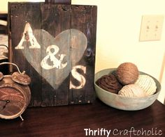 Thrifty Craftoholic: DIY Wood Sign & Decorative Balls