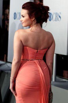 Demi Lovato Legs, Demi Lovato Pictures, Hollywood Celebrities, Female Celebrities, Gorgeous Hair, American, Bikinis, Strapless Dress Formal, Celebs
