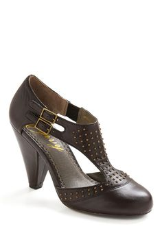 The Under-studdy Heel   Mod Retro Vintage Heels   ModCloth.com