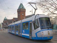 W tle Hala Targowa, pl. Nankiera Speed Training, Poland, City, World, Trains, Cities, The World, Train