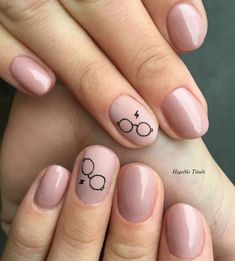 Finger Nail Designs For Spring. Nail art has turned into one of the finest fashi… Finger Nail Designs For Spring. Nail art has turned into one of the finest … Harry Potter Nails Designs, Harry Potter Nail Art, Cute Acrylic Nails, Matte Nails, My Nails, Prom Nails, Stiletto Nails, Coffin Nails, Rose Gold Nails