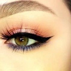 @kyliecosmetics @kyliejenner #theroyalpeachpalette @dhcskincare liquid liner @flutterlashesinc style captivating #kyliejenner #kyliecosmetics #flutterlashes #eyelook #makeup #style #beauty #EyelinerPencil How To Do Eyeliner, Simple Eyeliner, Eyeliner Shapes, Pencil Eyeliner, Flutter Lashes, Perfect Cat Eye, Peach Palette, Eyeliner For Beginners, Layers Of Skin