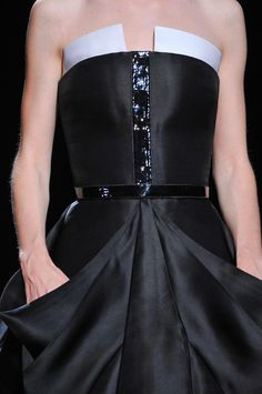 Stéphane Rolland | Haute Couture AW2013 Details - via: annadelloruzzo: - Imgend