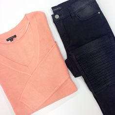 We're obsessed with this peachy sweater and these acid wash jeans!