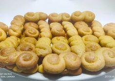 Πασχαλινά κουλουράκια βουτύρου της Αργυρώς συνταγή από τον/την Stavros Vellidis - Cookpad Pastry Cake, Pretzel Bites, Potatoes, Bread, Cookies, Vegetables, Desserts, Food, Easter