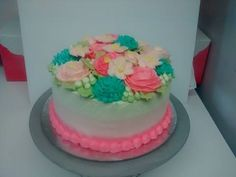 floral buttercream cake Buttercream Cake, Floral, Desserts, Food, Florals, Meal, Flowers, Deserts, Essen