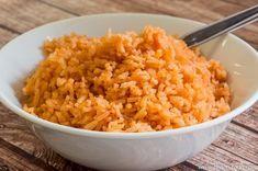 אורז מקסיקני אדום - מתכון לאורז המוגש במסעדות מקסיקניות כלווי לטאקו, פהיטס או בוריטו. נהדר לארוחה מקסיקנית וגם כתוספת לעוף, קציצות ועוד...