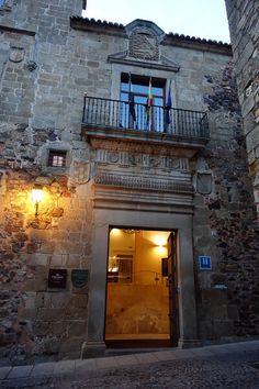 Parador de Cáceres: A Delicious Historic Hotel Choice in Spain