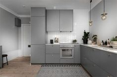Simple American Kitchen: 60 Ideas, Photos and Designs - Home Fashion Trend Ikea Kitchen, Kitchen Shelves, Kitchen Interior, Kitchen Decor, Kitchen Cabinets, American Kitchen, Cuisines Design, Küchen Design, Small Apartments