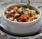 Μοσχάρι καπαμά με μελιτζάνες στο φούρνο Chili, Oatmeal, Recipies, Food And Drink, Soup, Beef, Cooking, Breakfast, Greek Recipes